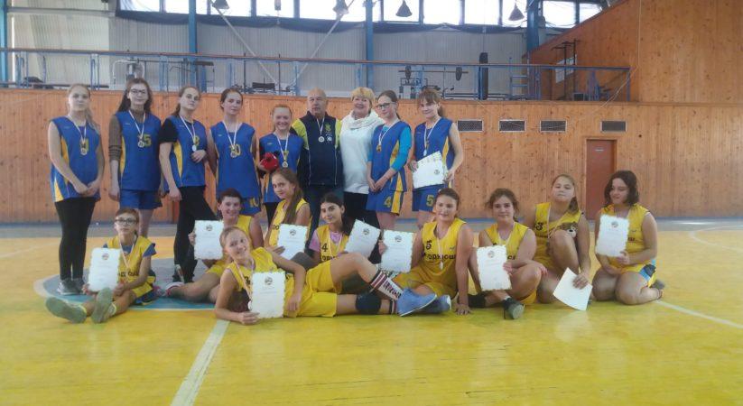 Бліц-турнір з баскетболу 5×5 серед дівчат та 3×3 серед юнаків