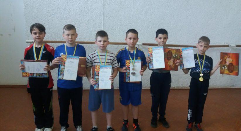 Чемпіонат з настільного тенісу до дня захисту дітей